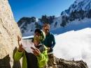 Bernhard Witz und Alain Custovic studieren den Routenverlauf zum Gipfel des Trident du Tacul.