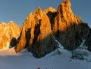 Die Chandelle, der Trident du Tacul und der Grand Capucin im Morgenlicht